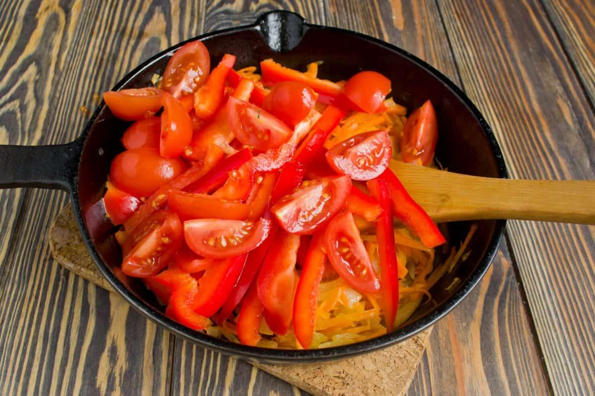 Тушим овощи для лагмана