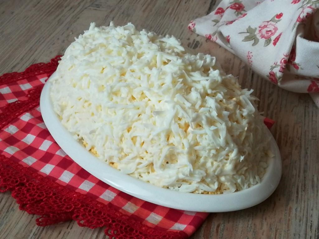 Салат «Белая невеста» с грибами и курицей