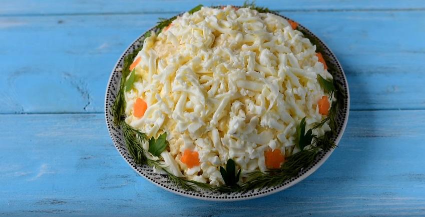 Салат «Невеста» с плавленным сыром и курицей — рецепт с фото