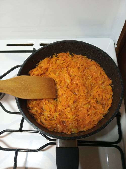 Пассированная в сковороде морковь