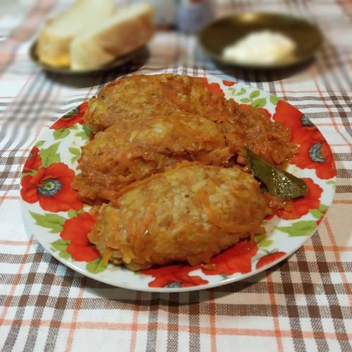 Ленивые голубцы на тарелке