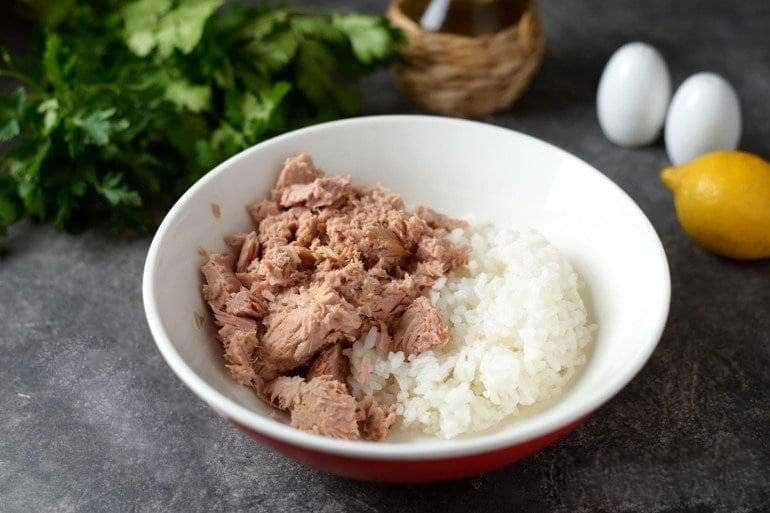 Рис и тунец